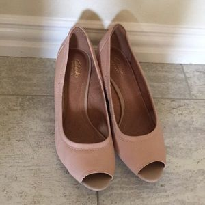 Clarks artisan peep toe wedge